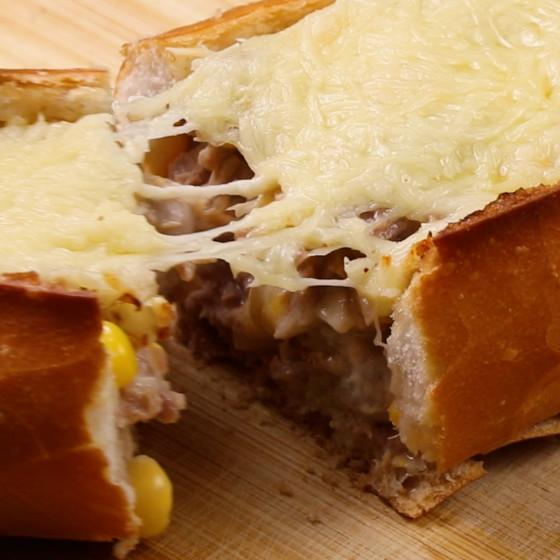 Bánh mì cá ngừ phô mai